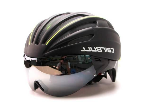 road-bike-helmet-woman-5dd2b05246abd