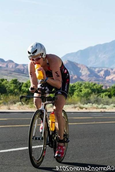 road-cycling-helmet-trek-5dd2b0ee75b2d